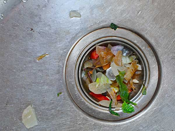 One-of-the-many-causes-of-clogged-drains-is-food-waste