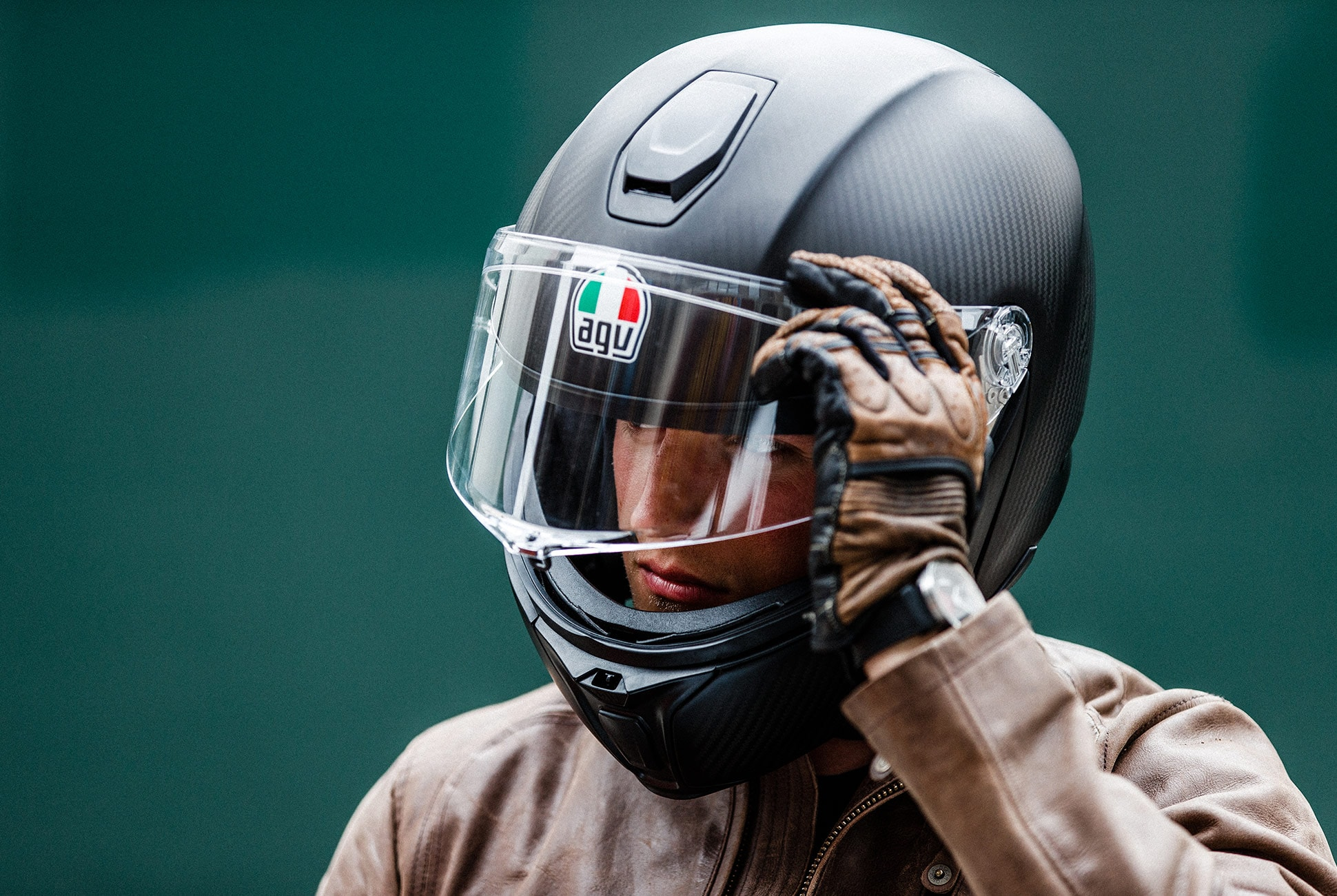 AGV-Sportmodular-Carbon-Helmet-Review-gear-patrol-lead-full